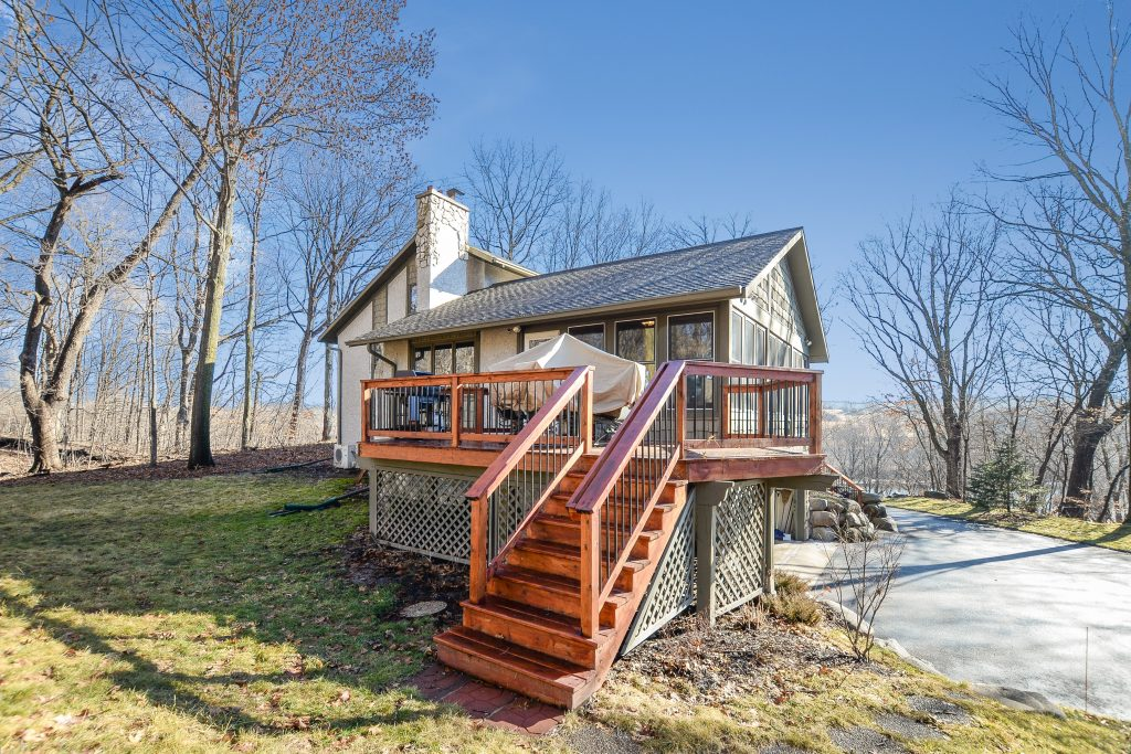 homes for sale on the crow river