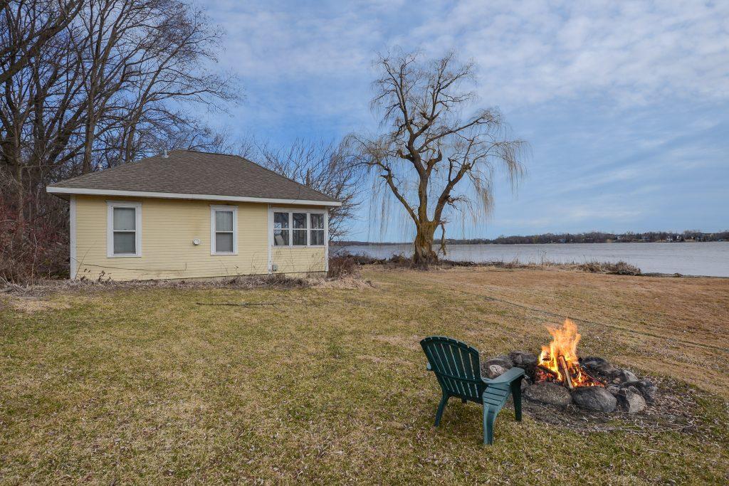 homes on lake sarah for sale