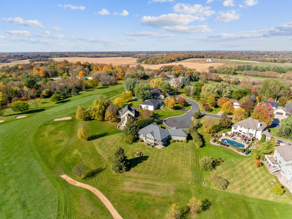 find homes for sale on minnesota golf courses